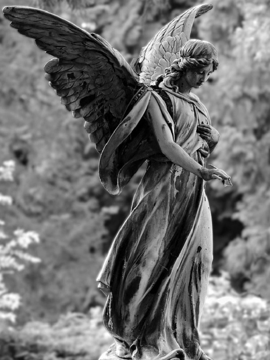 angel-statue-cemetry